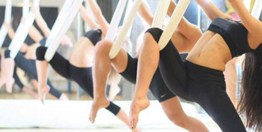 Kosteloos ervaren in november: Aerial Yoga